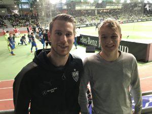 Bild Andre Wachter, Torwartkoordinator und Torwartrainer der U19 des VfB Stuttgart und TorspielerTheo beim Mercedes-Benz Junior Cup 2018